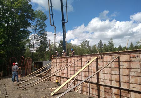 Choosing the Right Foundation for Your Log Home