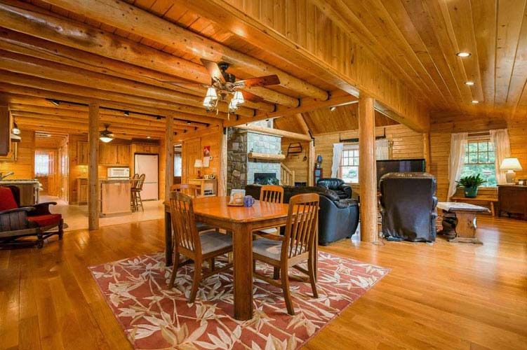 Coopersburg Log Home Dining Room
