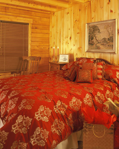 Log home bedroom of Georgetown