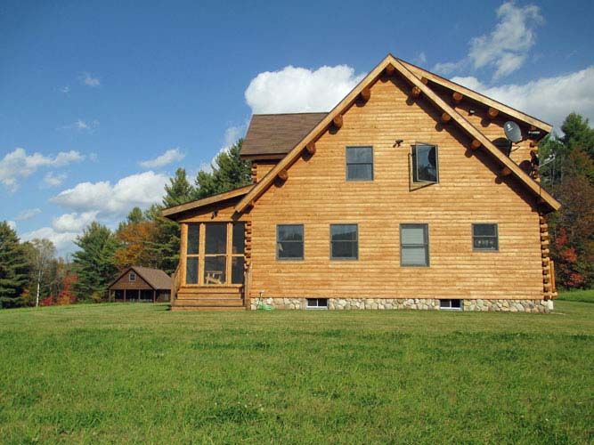 Side view of Coopersburg Log Home