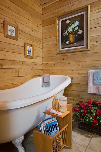 North Star log home master bath